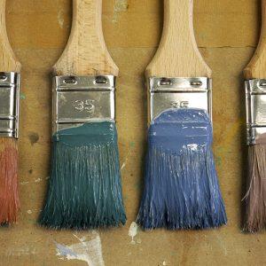 Farben und Standölfarbe