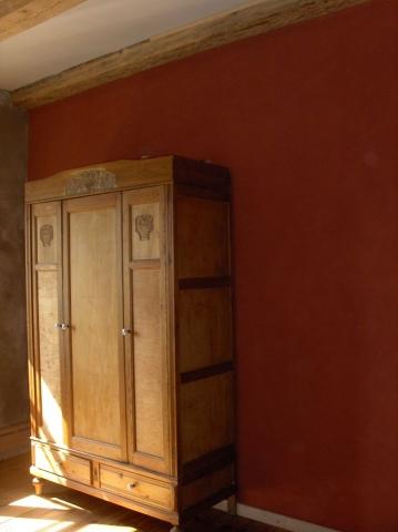 Wohnzimmer mit Vega Lehmfarbe